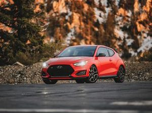 2019 Hyundai Veloster N review: The performance junkie's hot hatch     - Roadshow