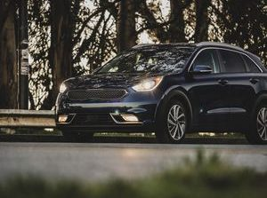 2019 Kia Niro review: A frugal and functional hybrid crossover     - Roadshow