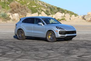 2019 Porsche Cayenne Turbo review: The performance SUV par excellence     - Roadshow