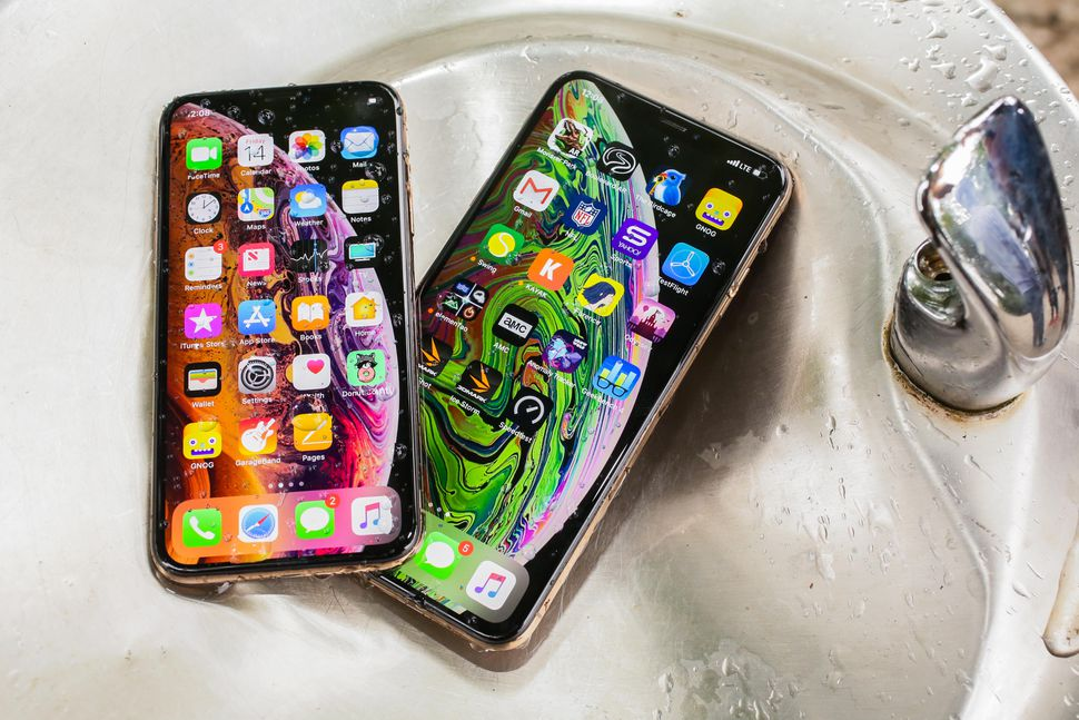 22-iphone-xs-and-iphone-xs-max