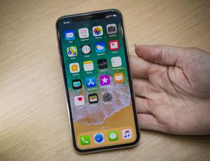 Apple iPhone X Release Date, Price and Specs     – CNET