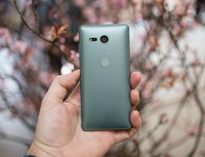 Sony Xperia XZ2 Compact review: Sony's tiny powerhouse is the best small phone around     – CNET