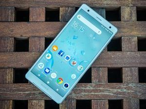 Sony Xperia XZ2 review     - CNET