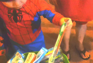 Child Mortified as Dentist Dad Passes Out Toothbrushes for Halloween