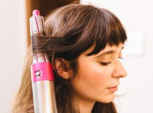 Dyson Airwrap review: Dyson's Airwrap hair styler uses low heat, but it's full of hot air     - CNET
