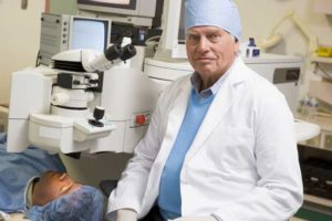 Ophthalmologists Report Hindsight More Like 20/80
