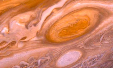 NASA Ophthalmologists to Treat Jupiter's Red Eye with Artificial Tears