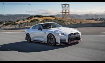2017 Nissan GT-R Nismo Hot Lap! - 2017 Best Driver's Car Contender