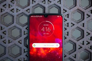 Motorola Moto Z4 review: The cheapest 5G phone you can buy but shouldn't     – CNET
